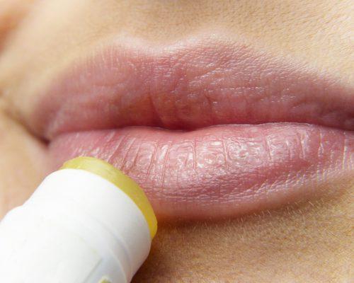 ¿Herpes Labial En Verano? Por Qué Aparecen Brotes Y Cómo Prevenirlos